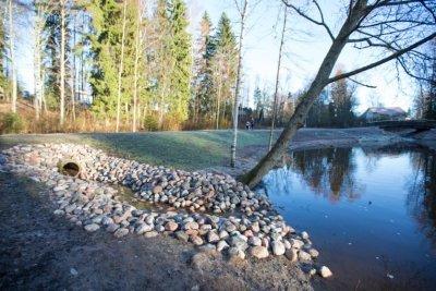Korson keskuspuiston lampien ruoppaus, siltojen ja padon rakentaminen, 2016-2017